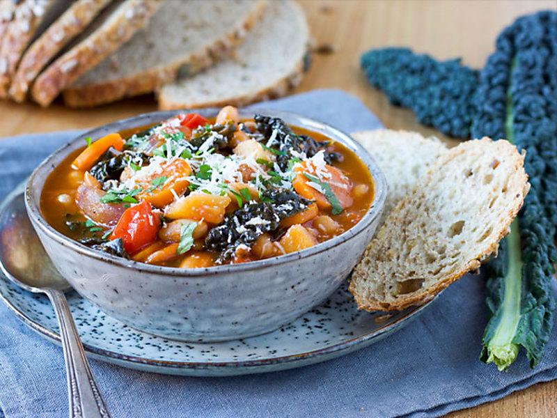 toscaanse groentesoep met cavolo nero